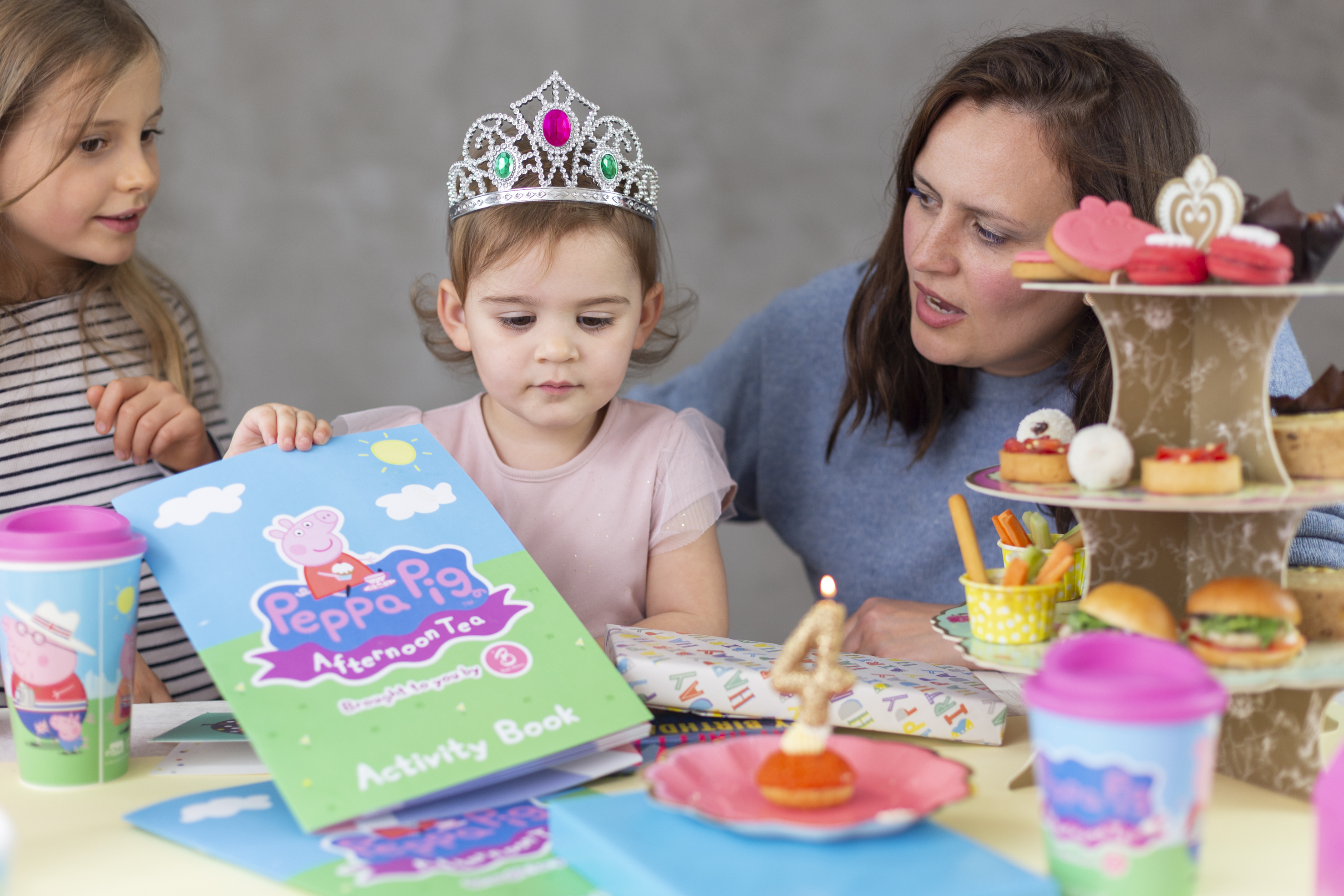 Escape the Everyday - Peppa Pig afternoon tea party home delivery