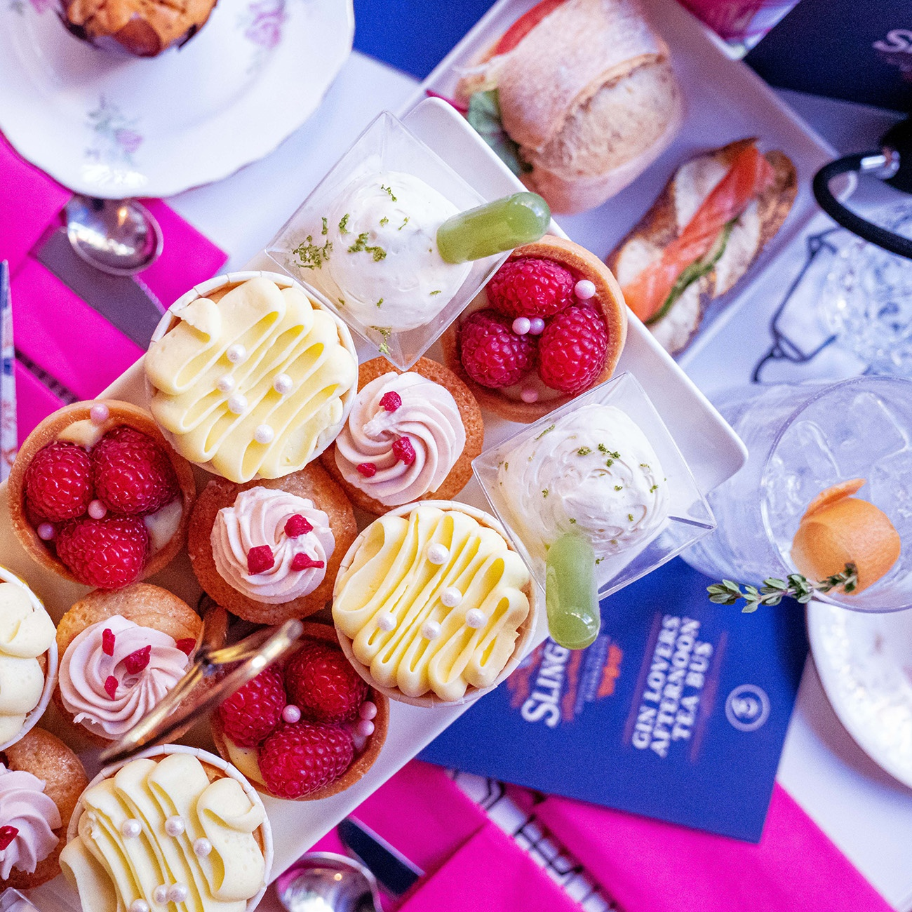 Slingsby Gin or Prosecco Bus Tour London with Brigit's Bakery